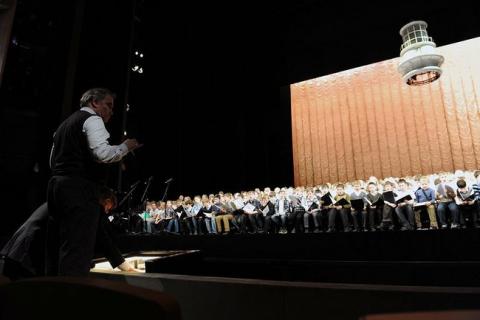 Юные хористы из Перми в составе Сводного детского хора России Церемонии закрытия Зимних Олимпийских игр 2014 года в Сочи