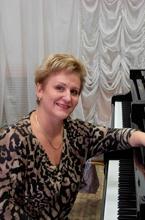 Мирошникова Ирина Петровна - доцент кафедры специального фортепиано